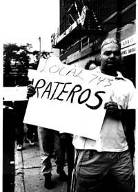 """Pancarta dice """"Rateros"""""""