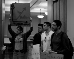 FL students protest tuition hikes.