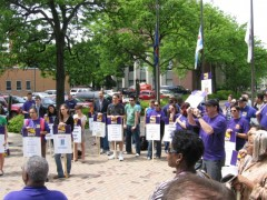 Protest against presidents' salary raise at UIC