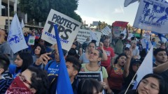 LA protest demands TPS for Salvadorians.