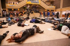 "Students from UW-Milwaukee held ""Die-In"" in response to Ferguson verdict"