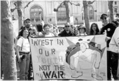 El contingente de Centro CSO en la marcha historica anti-guerra de 20 de abril