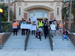 Tallahassee SDS protests FSU contract with Aramark.