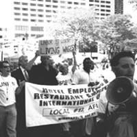 Trabajadores de hoteles en huelga en Minneapolis, Minnesota.