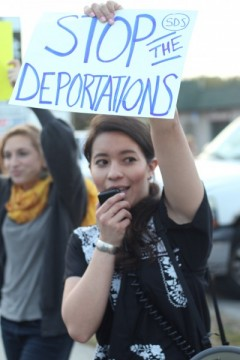 Tampa protesters demand end to delay of Deferred Action and legalization now.