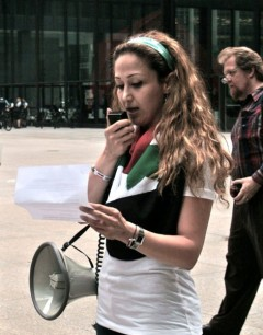 Speaker at Chicago protest against U.S. war on Syria