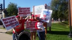 Striking members of Minnesota Nurses Association on the picket line
