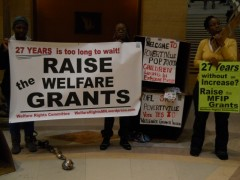 Members of Welfare Rights Committee demand increase in welfare grants.