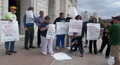 Members of Welfare Rights Committee protest public financing for Viking's stadiu