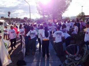 Trabajadores de comida rapida en Tucson luchan por $15