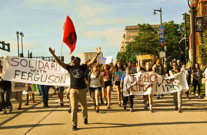 milwaukee protest stands in solidarity with ferguson