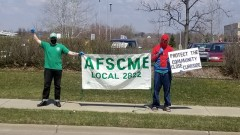 AFSCME Local 2822 workers protest unsafe curbside pickup at libraries.