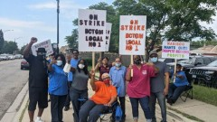 Striking Nabisco workers in Chicago.