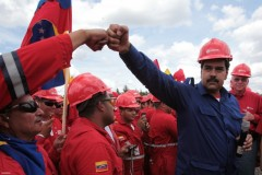 President Maduro with trade unionists.