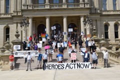 Michigan workers demand extension of unemployment benefits.