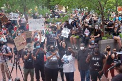 Minneapolis protest against police crimes.
