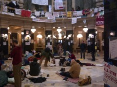 Protesters continue to occupy Wisconsin Capitol