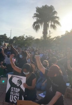 Tampa protest demands community control of the police.
