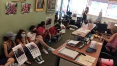 USPCN sit-in at U.S. Rep. Jan Schakowsky's office.