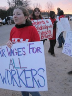 Students picket with striking bus drivers at Univ. of Alabama