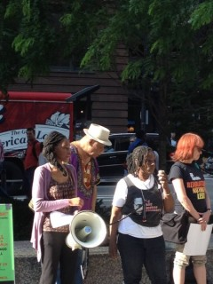 Chicago rally stands in  solidarity with Charleston, SC, denounces police crimes
