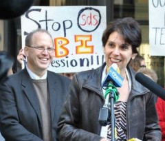 Joe Iosbaker and Stephanie Weiner speaking at press conference in Chicago
