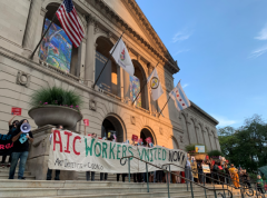 Workers at Art Institute of Chicago fight for a better work life.