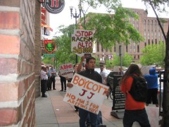 Immigrant rights protest 6/14/2010 in Minneapolis targets Jimmy Johns