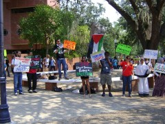 Members of SDS & SJP speak out for Palestinian statehood at Univ. of Florida
