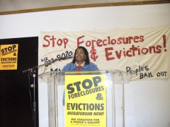 Leslie Parks speaking at mass meeting of MN Coalition for a People's Bailout.