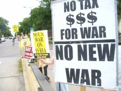 Twin Cites protest against plans for war on Syria.