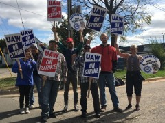 GM strikers on the picket line.