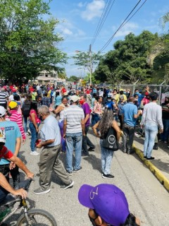 Voters gather at polling place. Massive participation in Venezuela's elections.