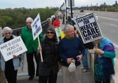 Twin Cities vigil opposes U.S. war against the DPRK.