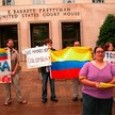 Palmera protest, Colombian flag in background